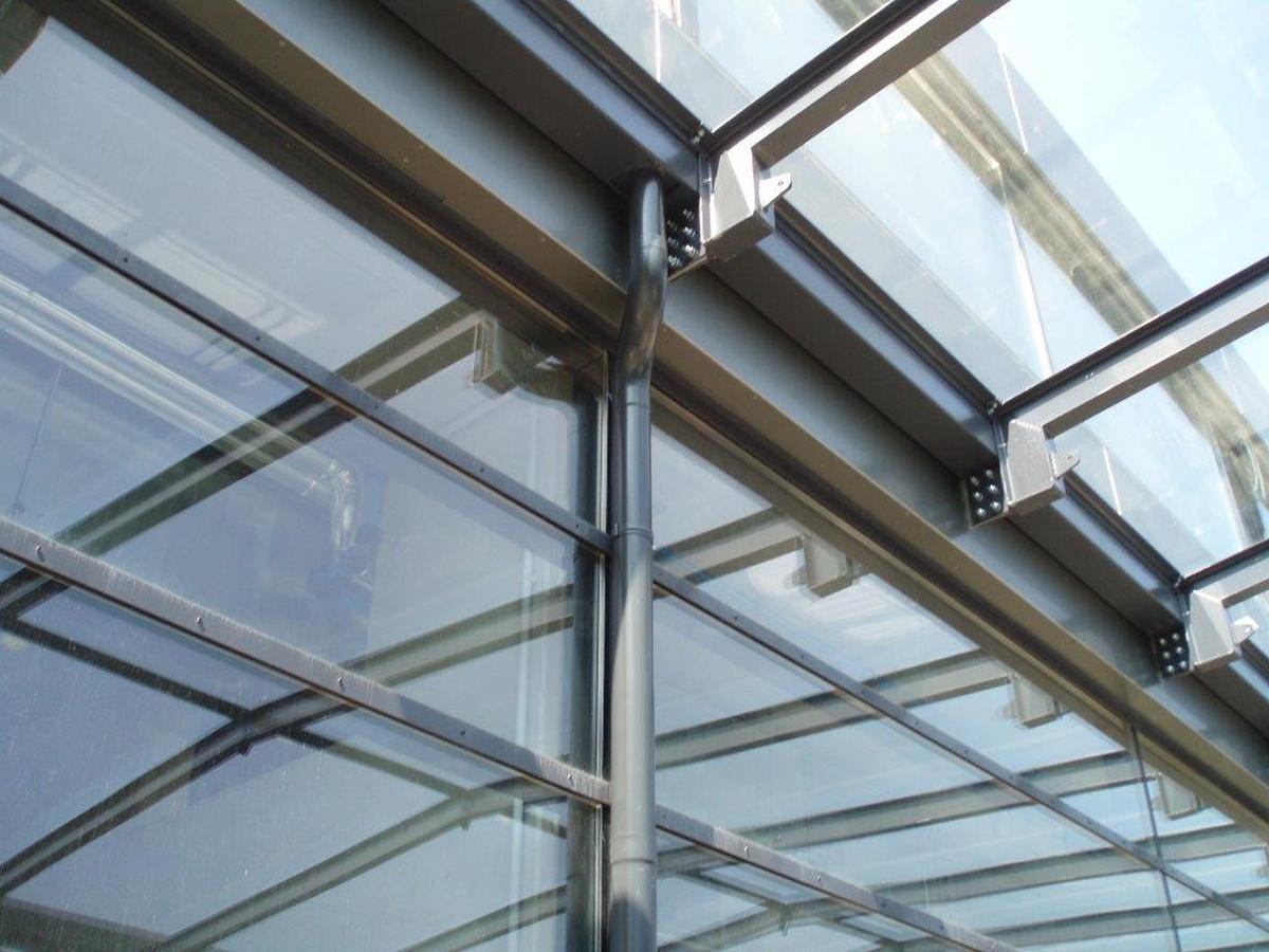 Dachrinnenreinigung Spengler, Flachdach, Fassade Hölzlsauer - GU