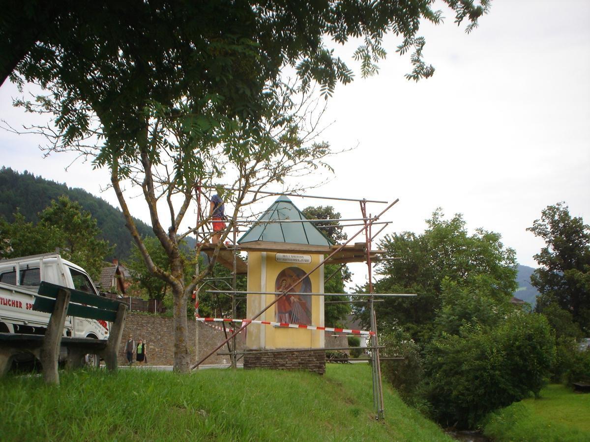 Dachsanierung Spengler, Flachdach, Fassade Hölzlsauer - GU