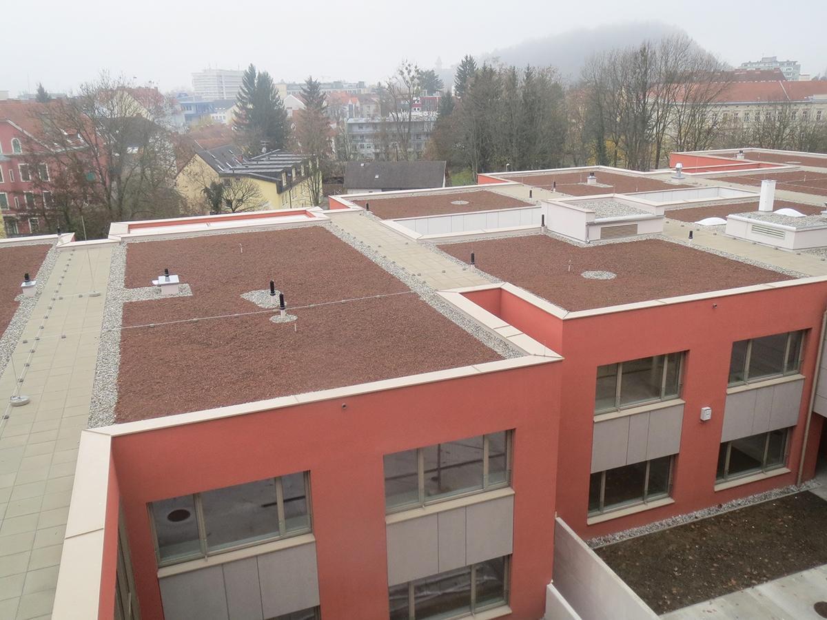 Gründach Dachdecker, Spengler & Fassaden Zidek